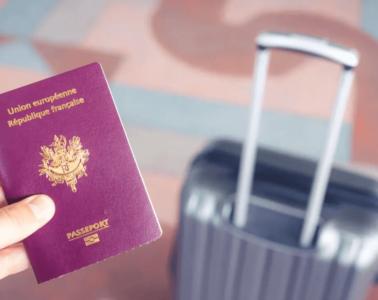 Puis-je voyager avec une carte d'identité pour aller en Grèce ?