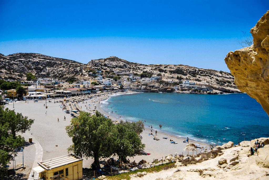 L'incroyablement colorée plage de Matala